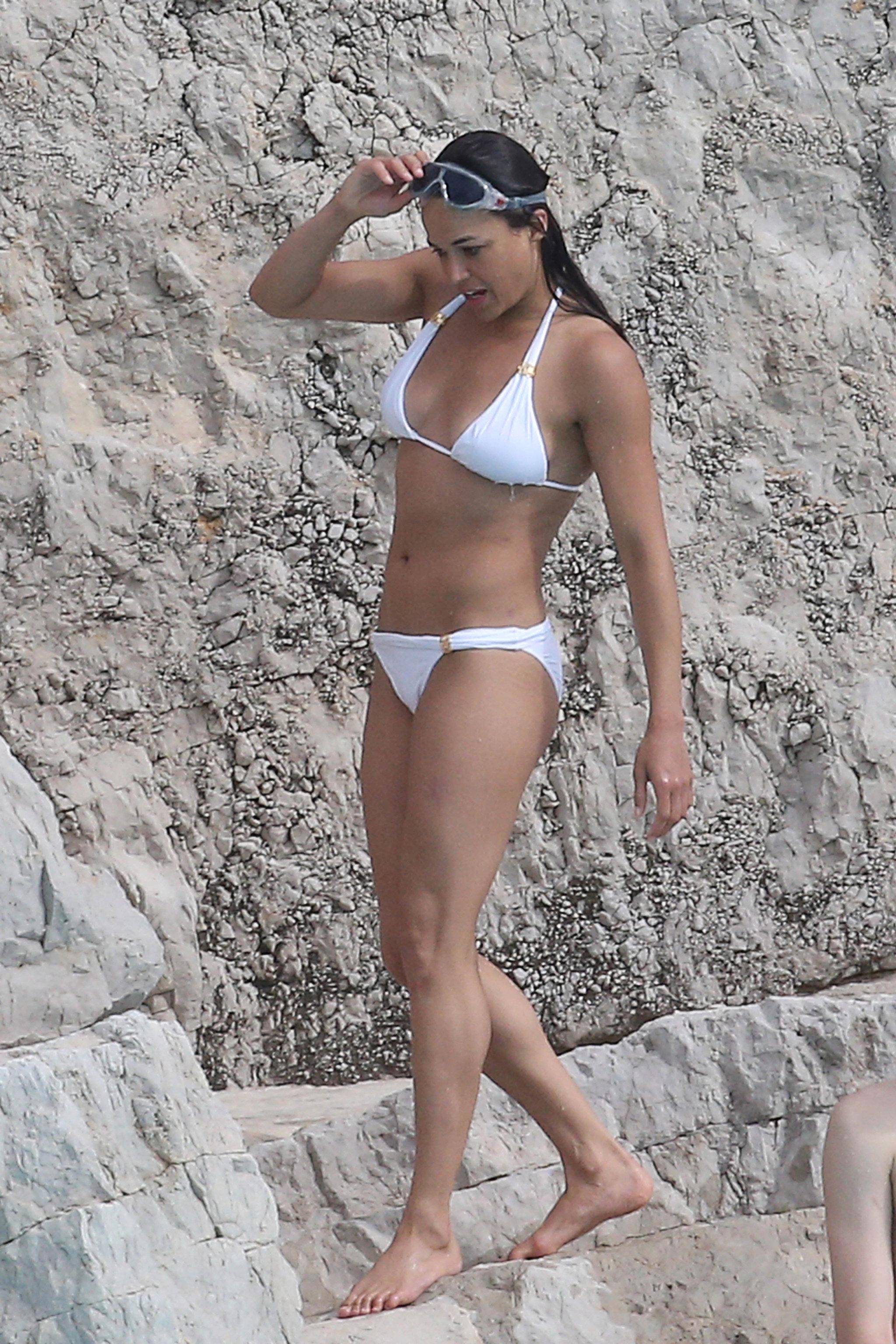 Michelle-Rodriguez-proved-she-still-had-rockin-bikini-body-while