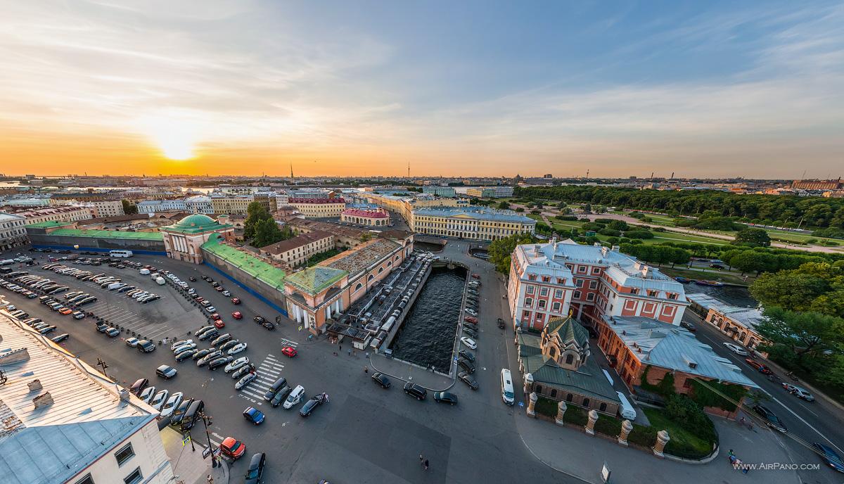 St. Petersburg - Above the Novo-Konyushenny Bridge