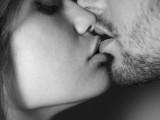 LJUBAV I SEKS: Muškarci više uživaju u poljupcu