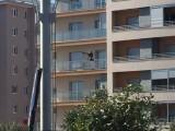 FOTO-ZUM: Pazi, dron na balkonu