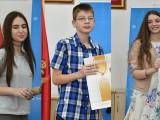 POBJEDNICI DRŽAVNOG TAKMIČENJA-ENGLESKI JEZIK: Petar, Staša i Vasilisa postigli najbolje rezultate