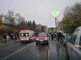 TINEJDŽER IZGUBIO KONTROLU NAD VOZILOM: Udario grupu djece na trotoaru, pa pobjegao