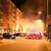 BLOK 9: Zapaljena dva automobila, nema povrijeđenih