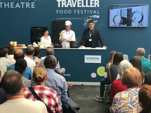 "NTO: Na festivalu hrane ,,National Geographic Traveller Food Festival"" pripreman crnogorski kačamak"