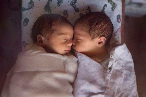 ZANIMLJIVOSTI: Blizanci rođeni u Indiji dobili imena Korona i Kovid