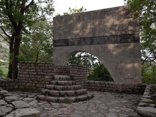 budva_spomenik-na-brajicima-2